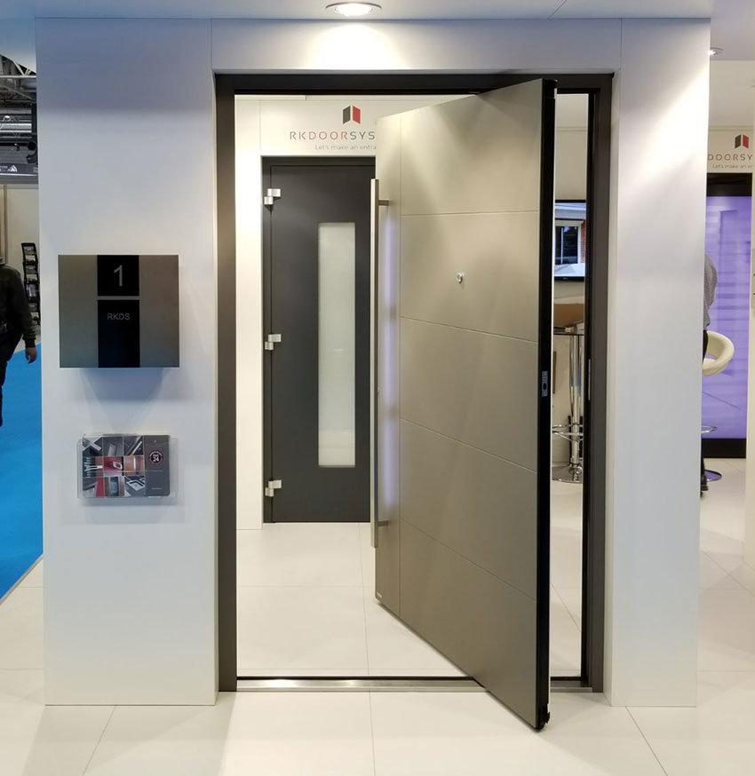 RK Pivot door with LED lighting in handle